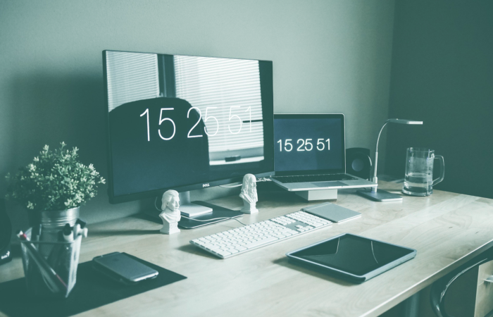 Contentkalender - Header, twee schermen